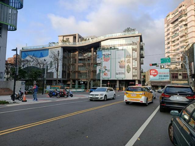 中山東路金三角大透店,桃園市桃園區中山東路
