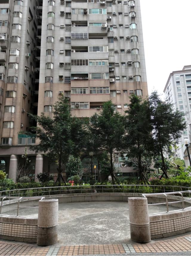 冠桃園2樓,桃園市桃園區國際路一段